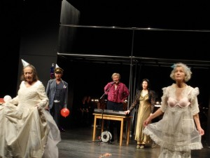 web-aktionstheater-ensemble-DIV-Paradiesseits-2-paradiesseits-DIV-Paradiesseits-2-052-1280x960